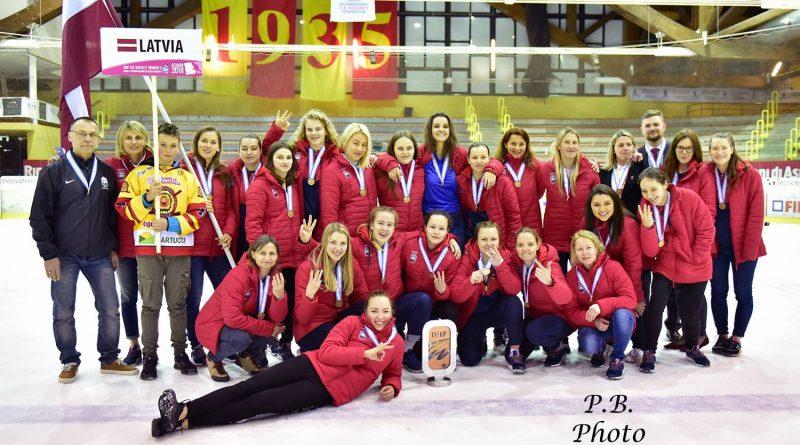 Latvijas dāmu izlase Pasaules čempionātā izcīna bronzas medaļas