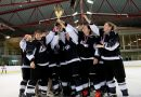 """""""LAIMA"""" hokejistes kļūst par Latvijas sieviešu hokeja čempionāta uzvarētājām"""